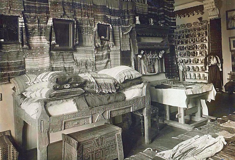 Interior expozitie 1905 - Muzeul ASociatiunii