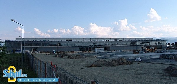 Aeroportul Sibiu 2007 - Terminalul si Parcarea