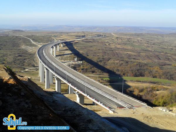 Autostrada A1 Orastie Sibiu / KM 64 / Alunecari de teren Aciliu / Octombrie 2013