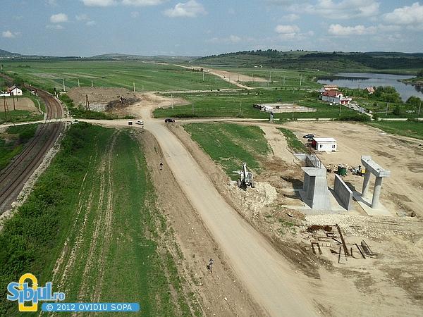 Autostrada A1 Orastie - Sibiu / Pasaj pe DC65 spre Sacel (Km 70) - Mai 2012