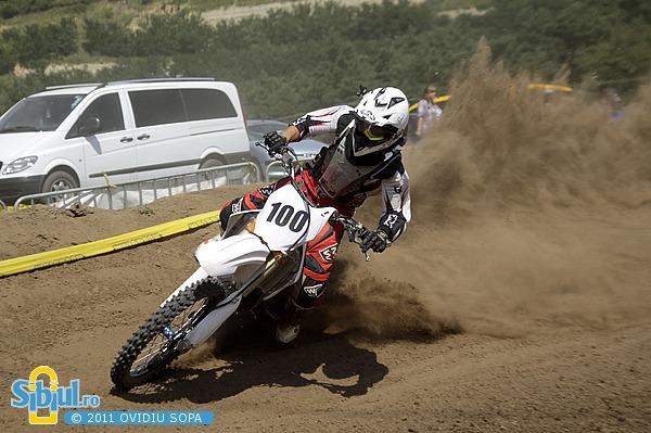 2-cn-motocross-etapa-v-sibiu-2011-clasa-mx1-mx2-659560877.jpg