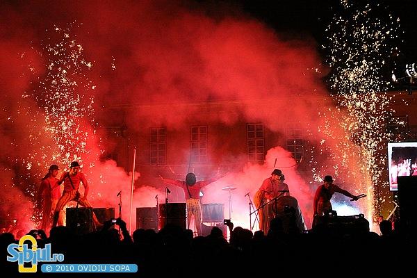 Tobele de foc - Transe Express la FITS 2010