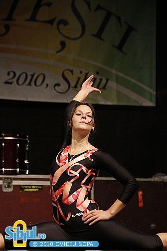 """Trupa de dans \""""M&M"""" la Galele Studentesti Sibiu 2010"""