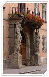 Sibiu:  Casa cu cariatide