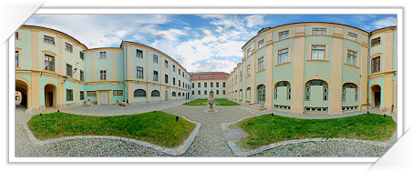 Muyeul Brukenthal - Curte interioara