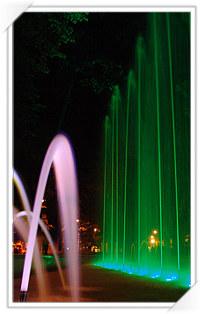 Sibiu: Fantana arteziana din Parcul Astra, noaptea